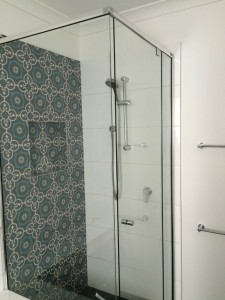 Shower screen in